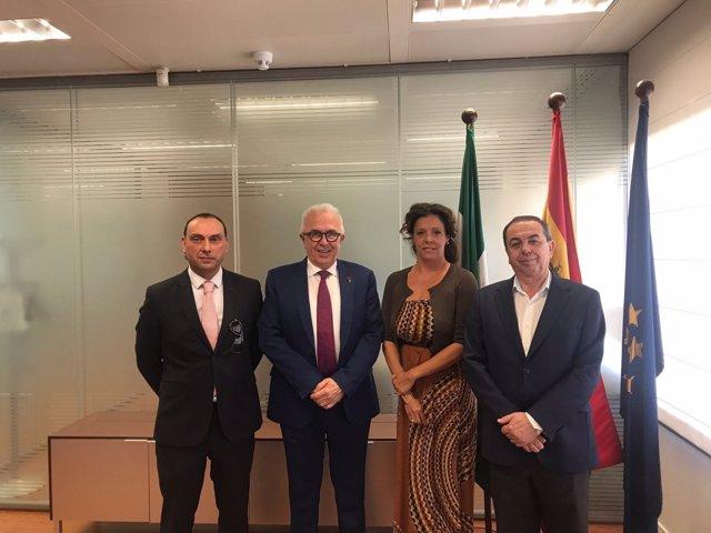 Reunión del consejero de Empleo, Empresa y Comercio con la presidenta de Caesa.