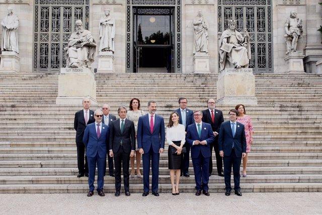 Autoridades en la inauguración de la exposición en Madrid