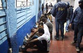 El Salvador propone crear un registro de los criminales deportados desde EEUU