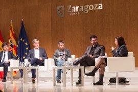 Sánchez expone la remunicipalización del agua en Valladolid como ejemplo de la defensa de Servicios Públicos