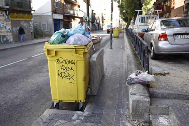 Cubos y bolsas de basura
