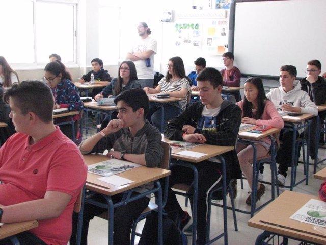 Más de 200 alumnos de la provincia participan en esta competición matemática.