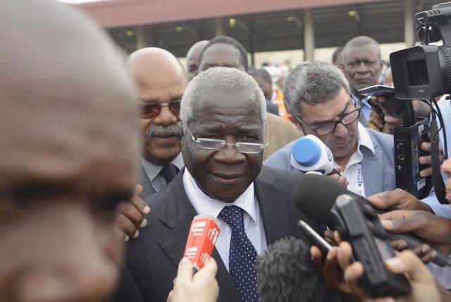 Afonso Dhlakama, presidente del partido opositor mozambiqueño Renamo