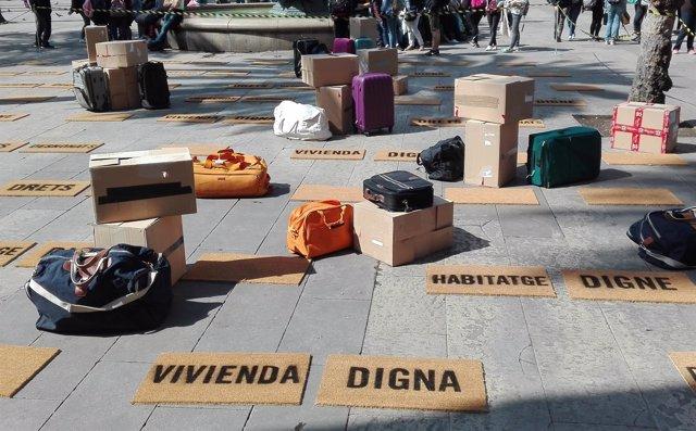 Acción de protesta de Amnistia Internacional en la plaza Reial de Barcelona