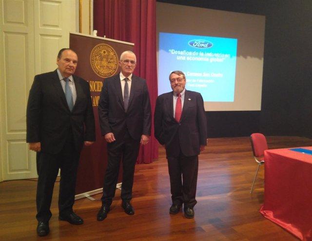 El director de Fabricación de Ford España ofrece una conferencia en València