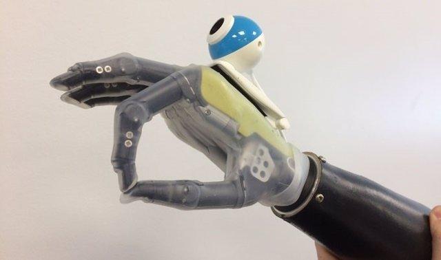 Mano biónica prótesis cámara