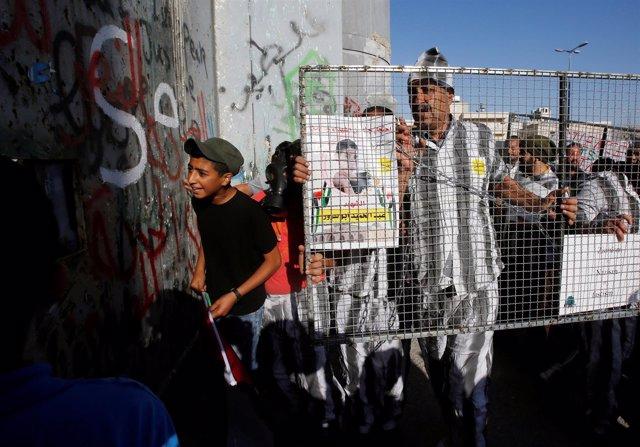 Protesta contra huelga de hambre en Belén (Cisjordania)