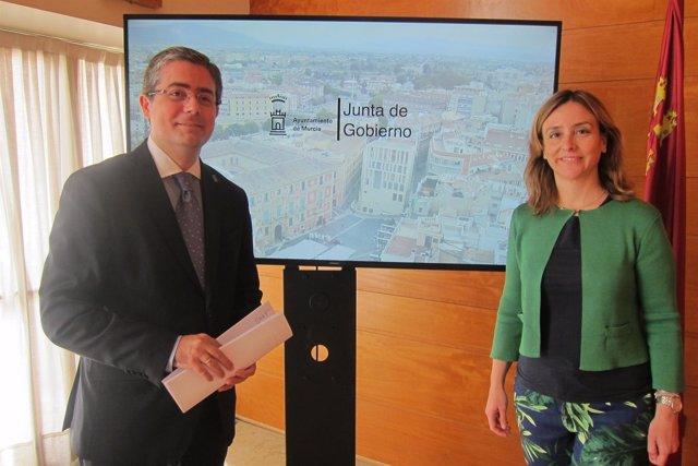 Conchita Ruiz y Jesús Pacheco rueda deprensa Junta
