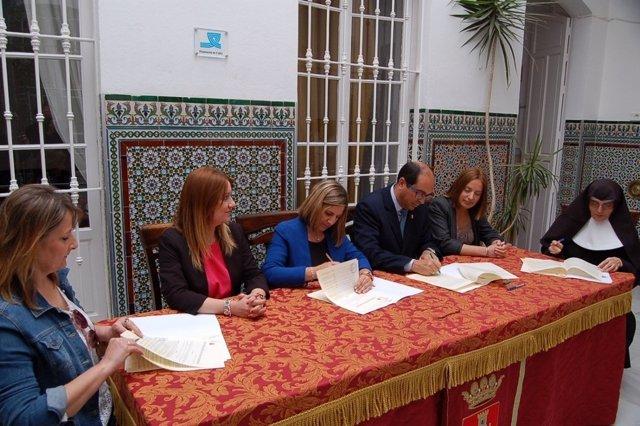 Diputación firma varios convenios con residencias de la provincia