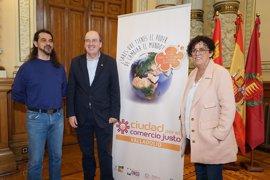 Ayuntamiento de Valladolid y UVA se unen a la Plataforma de Comercio Justo para celebrar el Día Mundial