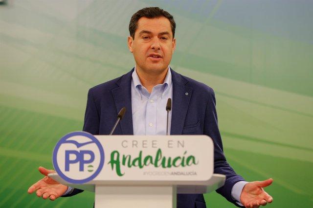 El presidente del PP-A, Juanma Moreno, en rueda de prensa.