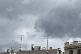 Fin de semana de chubascos en el noreste y Canarias darán paso a sol y temperaturas hasta 10ºC superiores a lo normal