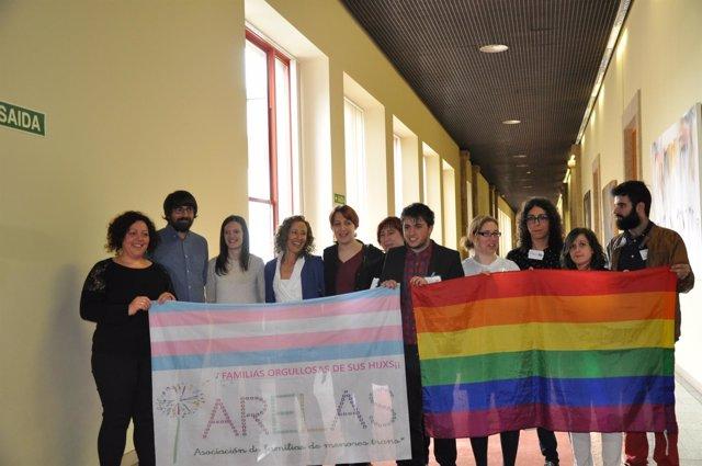 La oposición ergistra Ley de Identidad de género en el Parlamento de Galicia.
