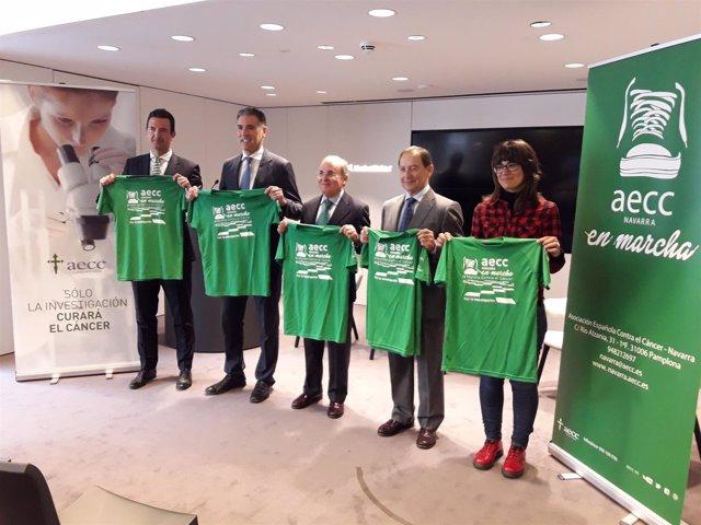 Presentación de carrera solidaria contra el cáncer en Pamplona.