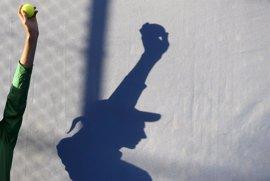 La repetición defectuosa de movimientos en el tenis puede ser la causa principal de lesiones