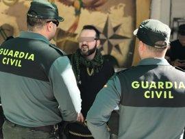 Tres detenidos, dos de ellos menores de edad, por cometer varios robos en sedes festeras de Almansa (Albacete)