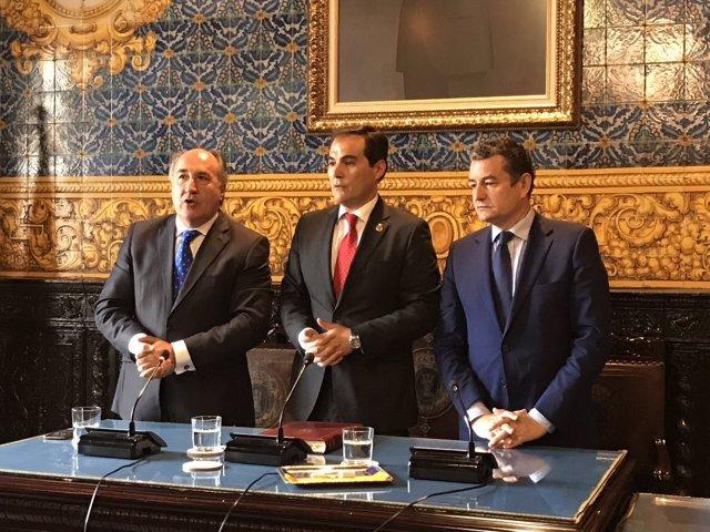 Firma del acuerdo entre Interior y Ayuntamiento para el nuevo CIE de Algeciras