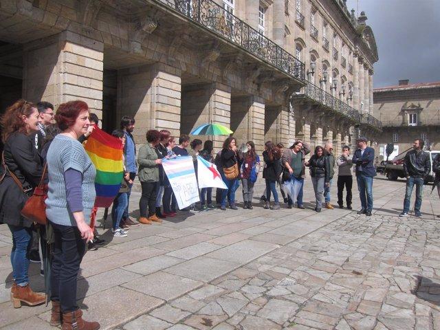 Concentración de colectivos LGTBI contra el bus de Hazte Oír