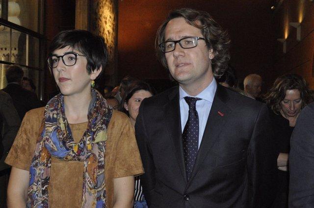 Violeta Barba y Manuel Giménez Larraz, en el acto este viernes en las Cortes