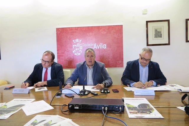 Ávila: Pedro José Muñoz , Rafael Pérez Y J. Melgos