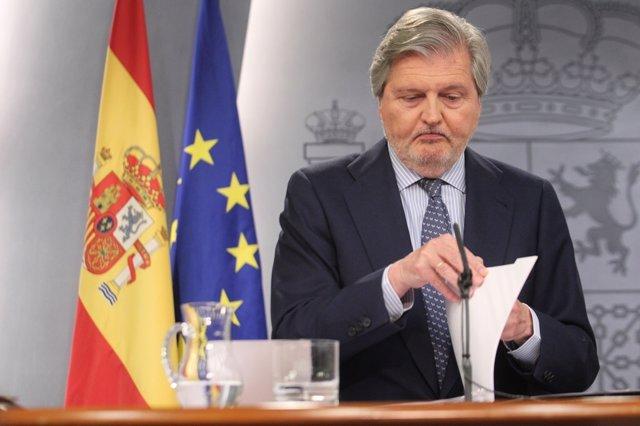 Iñigo Méndez de Vigo tras el Consejo de Ministros
