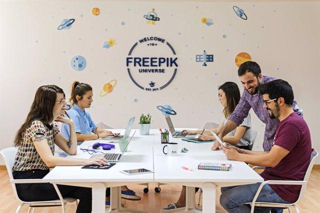 Nota De Prensa De Freepik