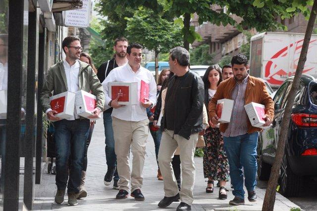 Presentan los avales de Susana Díaz en la sede del PSOE