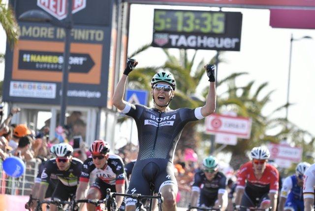 El ciclista austríaco Lukas Pöstlberger (Bora-Hansgrohe) en el Giro
