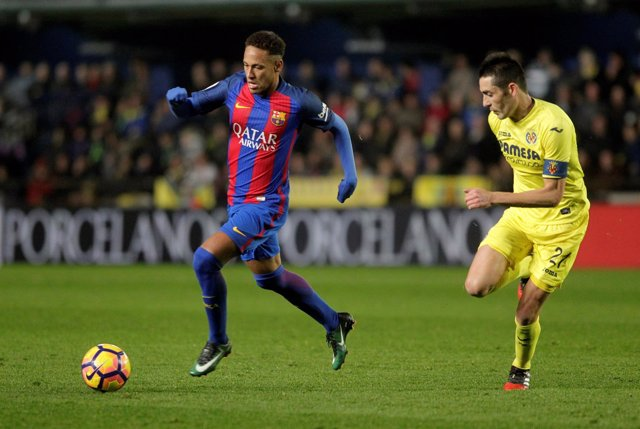 Neymar Junior ante Bruno Soriano