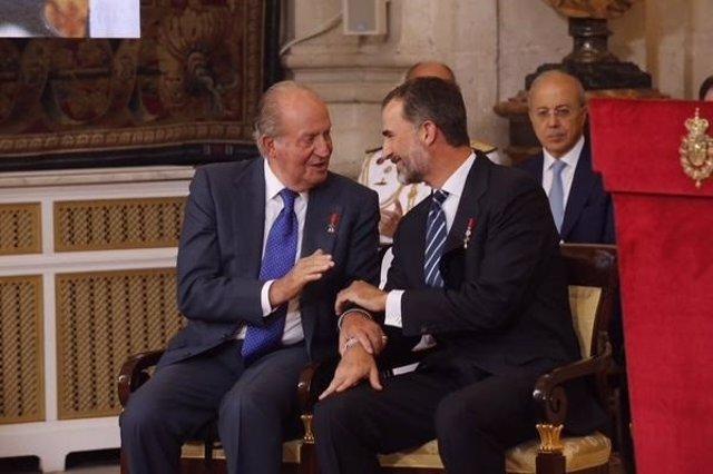Los Reyes don Juan carlos y Felipe VI