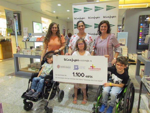 Entregan un cheque de 1.100 euros para investigar enfermedades raras en niños