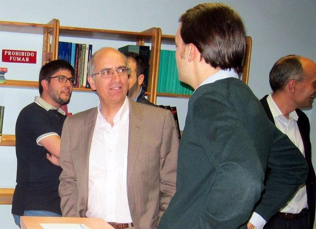 Javier Iglesias En La Sede Del PP De Salamanca