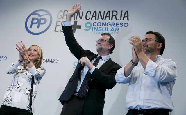Rajoy arropa a Australia Navarro