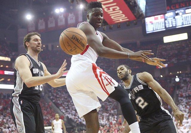 Pau Gasol San Antonio Spurs Houston Rockets Clint Capela