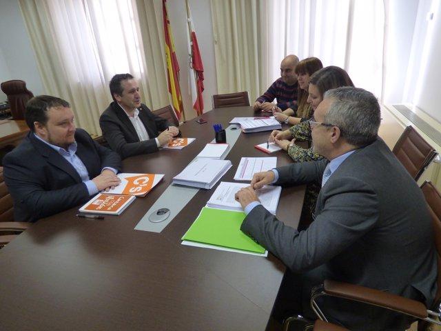 Reunión de Ciudadanos con los grupos PRC y PSOE, que sustentan el bipartito (Arc