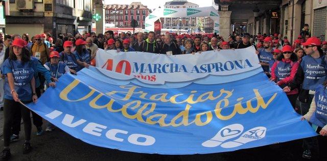 Las autoridades encabezan la 40 edición de la Marcha Asprona
