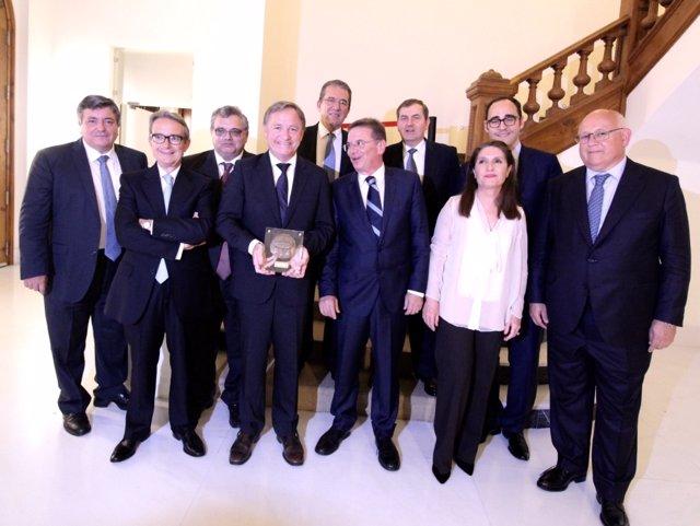 Moragues ha recibido el galardón en la cena de gala de los patronos