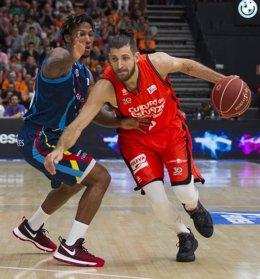 Andrew Albicy y Diot Antoine MoraBanc Andorra contra Valencia Basket