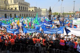 Miles de opositores protestan de nuevo en Varsovia en contra el partido del Gobierno polaco