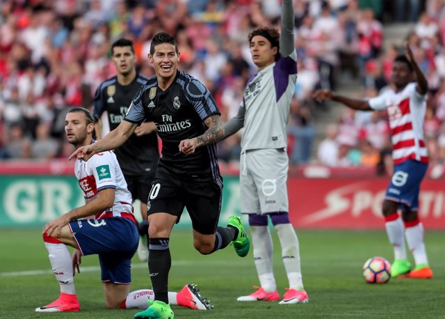 James celebra un gol ante el Granada