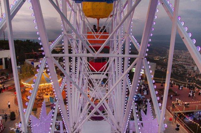 Rueda panorámica del parque de atracciones del Tibidabo