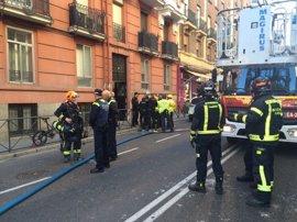 Un hombre sufre quemaduras en el 40% de su cuerpo tras explotar una bombona de camping gas en su casa de Madrid
