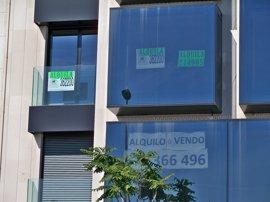 """Vecinos de Barcelona impulsan un sindicato de inquilinos para exigir """"alquileres asequibles"""""""