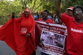 Llegan a Abuya las 82 niñas de Chibok liberadas por Boko Haram