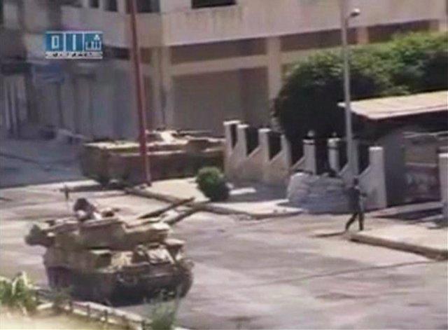 Tanque Del Ejército Sirio En Hama, Revueltas En Siria