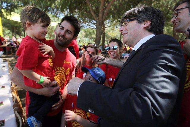 El presidente Carles Puigdemont en la fiesta Fundesplai