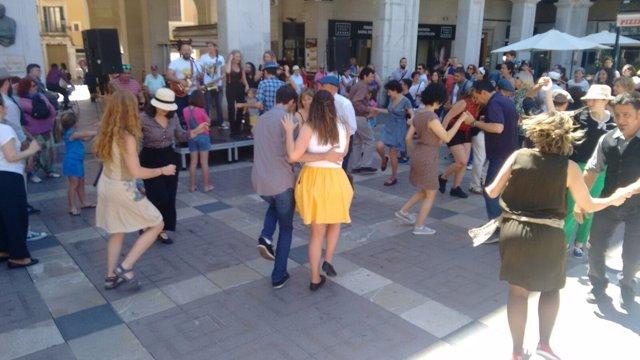 Tom Trovador graba videoclip con bailarines de lindy hop