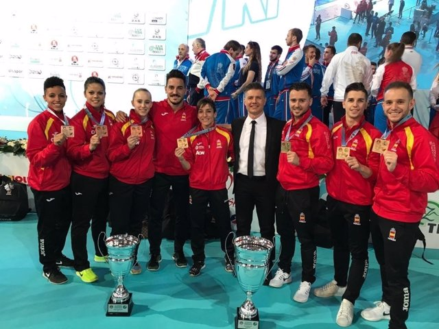 Oro y bronce para el kata español en Campeonato de Europa de Karate