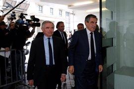Los Republicanos no dan tregua a Macron y le retan para las legislativas