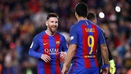 Messi toca con los dedos el Pichichi tras su doblete al Villarreal